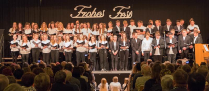 Auftritt unseres Großen Chores beim Weihnachtskonzert 2018