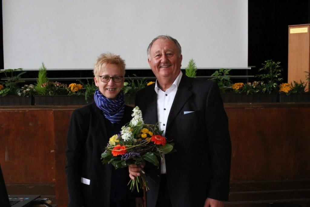 Frau Carmen Seifferth und Kapitän a.D. Dr. Friedhold Hoppert. Bildrechte: OTZ / Olliver Nowak